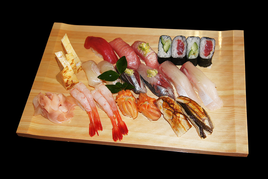 桧C型無地盛皿に寿司の盛り付け例